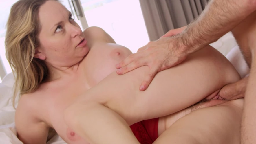 Aiden Starr Oils Her Big Natural Boobs and Gets Fucked by James Deen